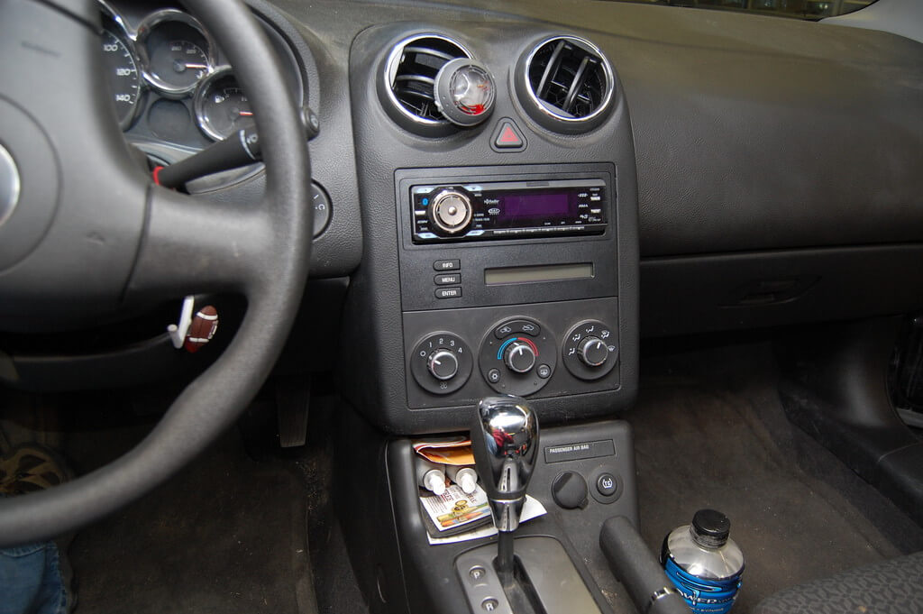 Special Dash Kit Allows Radio Upgrade in Pontiac G6