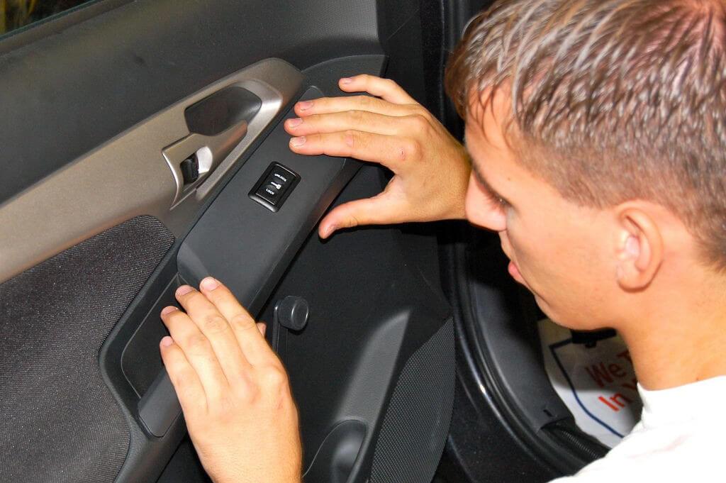 Pontiac Vibe Gets Power Door Locks And Keyless Entry